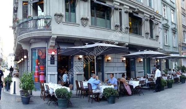رستوران کاراکوی لوکانتاسی استانبول